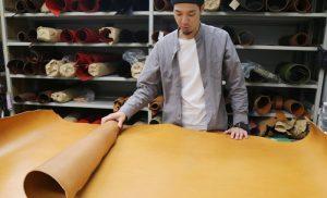 ヘルツの革製品の魅力 「天然革の味わい」【2nd day】